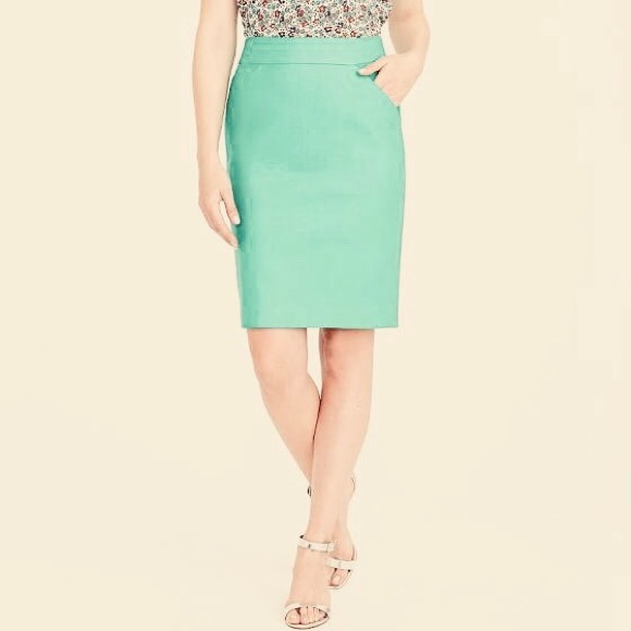 J. Crew Factory Dresses & Skirts - J Crew Size 8 Solid Mint The Pencil Skirt